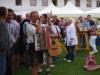 Gäste beim Weinfest